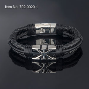 Sterling silver bracelet with AXION signature motif (12 mm). Genuine braided leather