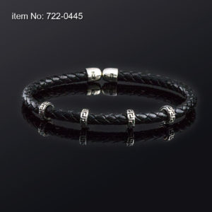Sterling silver bracelet with motif meandros and with 5 mm genuine braided leather. Black