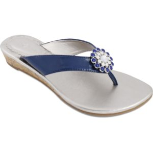 Gwen navy sandales with champagne sole and navy strap with navy and white snap in center switch flops by lindsay phillips