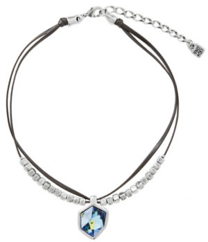 Short black leather necklace with two rounds with multiple silver-plated cube pieces and a SWAROVSKI® ELEMENTS crystal medallion in blue Sahara. The perfect accessory for your casual looks. A unique jewel for a unique woman. UNOde50 handcrafts this creative Made in Spain necklace.