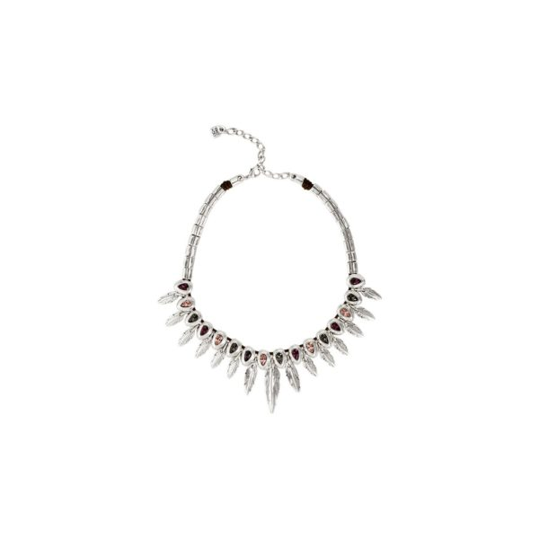 Short necklace composed of feather shaped pieces, in silver plated, and grey, purple and pale pink SWAROVSKI® crystals. A timeless jewel which it will be difficult for you to go unnoticed this season. An innovate design, characteristic of UNOde50, made in Spain and 100% handmade.