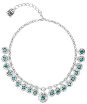 Short silver plated necklace, composed of several silver plated charms with circular shape and a central SWAROVSKI® crystal in Royal Green matte colour, all silver plated. A jewel inspired by colorful treasure of Aztec civilization which it will be difficult to be unnoticed. Made in Spain by UNOde50 and 100% handmade.