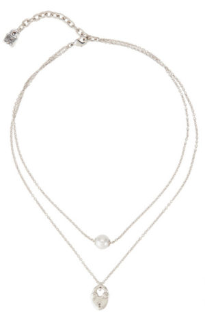 Cool double necklace, silver plated, with a classic White Pearl and a central heart-shaped padlock charm, one of the distinctive elements of the new Valentine's Day Collection by UNOde50. A jewel made in Spain by UNOde50 and 100% handmade way.