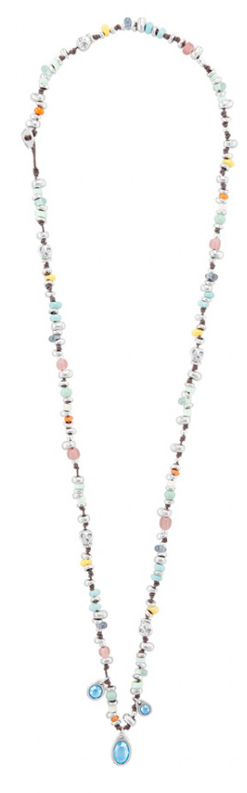 Long necklace, boho chic style, composed of several silver-plated pieces and and jazzy handcraft crystals in different colors. It also includes three SWAROVSKI® crystals of matte blue color in its central part. An accessorize that will give a touch of color to your daily outfits. A design made in Spain by UNOde50 and 100% handmade way.