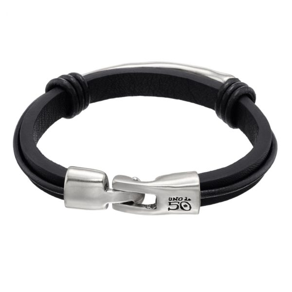 Black leather man's bracelet with two knots and a silver-plated metal tube in the centre. Hook fastening.