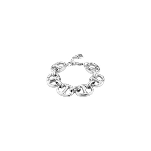 Silver-plated bracelet composed of a succession of double links. A casual style jewel made to an active woman. A design that you can wear any time and which it will be difficult for you to be unnoticed. A jewel made in Spain by UNOde50 and elaborated in a 100% handmade way. It includes UNOde50 paddock charm.